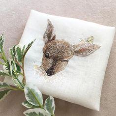 いいね!980件、コメント48件 ― 繭香 Mayuka Morimoto Oyanagiさん(@cherin_mayuka)のInstagramアカウント: 「Silk embroidered deer✨ Just finished! シカさん完成〜 #handmade #DIY #embroidery #ハンドメイド #broderie #刺繍…」