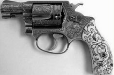 Beautifully designed little revolver!!!