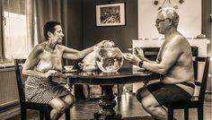 Cette photo des parents de Camille Ropert, intitulée « Vous reprendrez bien un peu de thé ? », a été primée en septembre. Elle pourrait être le point de départ d'un projet photographique.