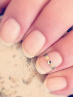 まるで指輪のようなデザインがかわいい♪