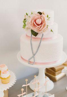 Blush Wedding Theme, Wedding Cake Pearls, Blush Pink Weddings, Cake Wedding, Gold Wedding, Elegant Wedding, Wedding Reception, Beautiful Wedding Cakes, Gorgeous Cakes