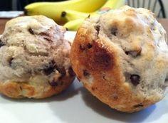 Chocolate Chip Banana Pancake Muffins -- Only 5 Ingredients! Could use gluten free pancake mix @Rachel Smith Abraham