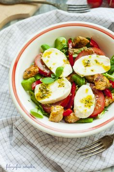 Chicken Salad and Mozzarella Milk Recipes, Salad Recipes, Cooking Recipes, Healthy Recipes, Clean Eating Recipes, Healthy Eating, Caprese Salad, Mozzarella Salad, Chef's Choice