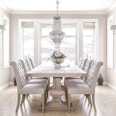 IN LOVE with this dining room | See more Pinterest Inspirations: http://www.bocadolobo.com/en/inspiration-and-ideas/