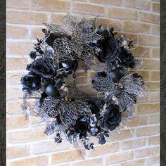 【楽天市場】【特大サイズ】豪華なポインセチアのブラッククリスマスリース(ブラックシルバー アイスガーランド入り)【クリスマスリース】【リース】【クリスマスプレゼント】【ポインセチア】【造花】SS10P02dec12:Pistil