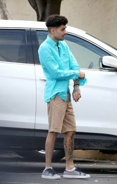 Zayn out in Miami Zayn Malik Hairstyle, Ex One Direction, Bad Boys, Beautiful Men, Men Casual, Singer, Mens Fashion, Celebrities, Dj