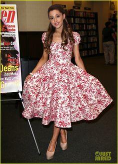 Ariana Grande: 'Seventeen' Magazine Signing! | ariana grande seventeen magazine signing 01 - Photo Gallery | Just Jared