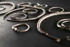 Bangles, Bracelets, Aur, Jewelry, Fashion, Moda, Jewlery, Jewerly, Fashion Styles