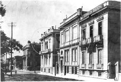 Φιλικη Εταιρεια: 1926 Αθήνα, οδός Ηπείρου. Στη γωνία Πατησίων και Ηπείρου διακρίνεται το μέγαρο Λιβιεράτου που κτίστηκε το 1908. Απο τα τρία πρώτα κτίρια σήμερα σώζεται το μεσαίο.