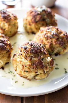Maryland Crab Cakes with Beurre Blanc via @homemadehooplah