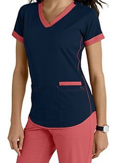 Women's scrub tops made from soft materials, designed to keep you cool and fresh all day. Choose from a variety of scrub top styles at Scrubs & Beyond. Scrubs Outfit, Scrubs Uniform, Dental Uniforms, Cute Scrubs, Medical Scrubs, Nursing Scrubs, Womens Scrubs, Peeling, Mode Hijab