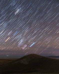 If you're wondering how to photograph and process star trail photos, then this is the astrophotography tutorial for you! Here's everything you need to know. Landscape Photography Tips, Photography Basics, Photography Tips For Beginners, Night Photography, Take Better Photos, How To Take Photos, How To Photograph Stars, Cool Pictures, Cool Photos