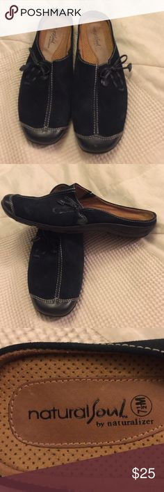 Navy Natural Soul by Naturalizer 7 1/2M $20 Navy Natural Soul by Naturalizer Leather Mules Size 7 1/2 M $20 Naturalizer Shoes Mules & Clogs