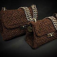 Velvet chic 🖤🌑🌓🌗 #instyle #elegant #unique #fashion #fw1819 #vassilisborsis Knit Crochet, Crochet Bags, Unique Fashion, Louis Vuitton Damier, Chanel, Velvet, Michael Kors, Shoulder Bag, Elegant