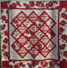 Poinsettias Quilted Wall Hanging by QuiltinginCirclesLLC on Etsy