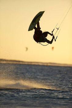 Kiteboarding @Xeonphon Luo Dra