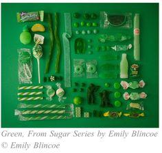 Green by Emily Blincoe. Alors là on a le choix entre tous ces bonbons verts :)