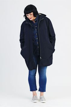 "Need a cosy and casual Parka for the colder Days of the Year? Check out our Sewing Pattern ""Amy"" for a Plussize Parka with XXL-Pockets. Parka Outfit, Outfits Winter, Casual Outfits, Outfits Plus Size, Plus Size Sewing Patterns, Amy, Thing 1, Oversized Coat, Down Parka"