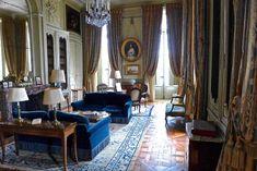 château de la motte-tilly interiors - Google Search Nogent Sur Seine, Velvet Furniture, Château Fort, France, Chateaus, Curtains, Luxury, Room, Interiors