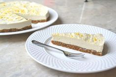 Raw vegan lemon and coconut cheesecake recipe yummy вегански Raw Vegan Desserts, Raw Vegan Recipes, Vegan Cake, Vegan Sweets, Vegan Foods, Lemon Cheesecake Recipes, Coconut Cheesecake, Cheesecake Cake, Sweet Recipes