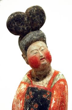 Beauty, sculpture from the Tang Dynasty era, China, artist unknown. Terracota, Ceramic Figures, Ceramic Art, China Art, Ancient China, Chinese Antiques, Chinese Culture, Ancient Artifacts, Art Plastique