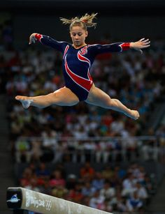 Images : Shawn Johnson finally wins her gold on Balance Beam - Thaindian News