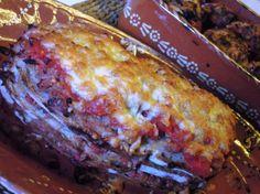 Lasanha de pão com bolonhesa http://grafe-e-faca.com/pt/receitas/carne/lasanha-de-pao-com-bolonhesa/