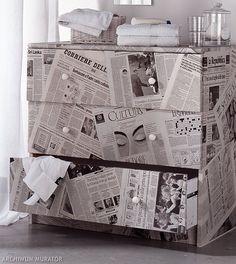 <p>Nie wyrzucaj starych mebli. Zobacz jak samemu mo�esz odnowi� nieatrakcyjn� komod�. Nasz� szafk� oklelili�my gazetami. Powsta�a oryginalna komoda.</p>