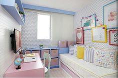 Bom dia criançada 👫  Feliz dia das crianças e também a Nossa Senhora Aparecida 🙏 Quarto fofo para uma princesa 👑 Cores vibrantes trouxeram um astral ao quartinho! Projeto @sessoedalanezi.com.br e 📷 @marianaorsifotografia #diadascrianças #girls  #happyday #homedecor #goodmorning #bomdia #bonjour #buenosdias #architect #cores #colors #quartomenina #bedroom #photo #criança #feriado #cute #blogfabiarquiteta #fabiarquiteta
