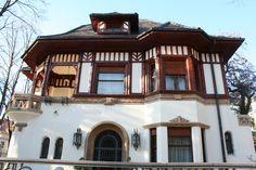 bovindou neoromanesc - Google Search Indoor Garden, Indoor Outdoor, Old Houses, Small Houses, Bucharest, House Design, Traditional, Mansions, Case
