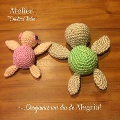 Tartarugas produzidas em crochê. Para encomendas escreva para: contato@cristinafontes.com.br