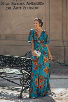 Blue and orange floral print knotted maxi dress+golden wedges+gold clutch+gold e. - Source by martinagenn - Semi Formal Wedding Attire, Fall Wedding Attire, Semi Formal Outfits, Formal Dresses, Cute Fall Outfits, Chic Outfits, Dress Outfits, Girly Outfits, Maxi Dresses