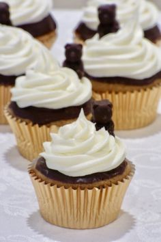 """""""Beary"""" Chocolatey S'mores Cupcakes"""