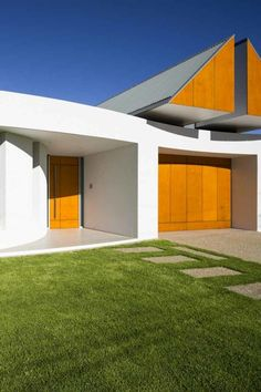 Modern House with Unusual Roof Design – Prestipino House | Home, Building, Furniture and Interior Design Ideas