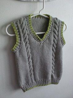 New Knitting Vest Pattern Children Ideas Crochet For Boys, Crochet Baby Booties, Knit Crochet, Free Crochet, Slippers Crochet, Kids Slippers, White Slippers, Simple Crochet, Crocheted Lace