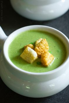 This fresh and vibrant spring pea soup with leeks and lentils is flavorful and easy to make. It's perfect for a week night dinner or for a special occasion! Soup Recipes, Dinner Recipes, Healthy Recipes, French Green Lentils, Hungarian Recipes, Hungarian Food, Snacks, Soups And Stews, Dessert