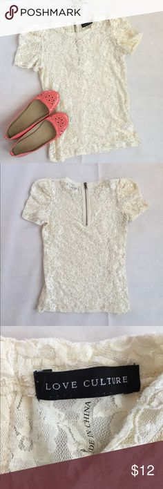 Cream Lace Top No stains. Zipper upper back. Size Small. Love Culture Tops Blouses