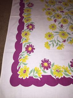 Vtg Cotton Kitchen Tablecloth Daisy Yellow Purple