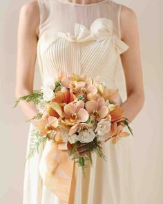 Peaches and Cream Is a Wedding Color Combination That Is Gloriously Memorable | Martha Stewart Weddings