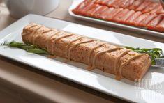 Mousse à la truite fumée #recettesduqc #entree #poisson Ceviche, Fish And Seafood, Flan, Mousse, Sausage, Meals, Hot, Ethnic Recipes, Drinks