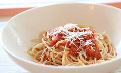 Quick Tomato and Basil Spaghetti