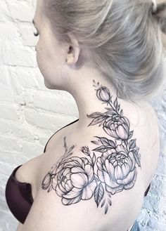 peonies tattoo on neck - peonies neck tattoo + peonies tattoo back of neck + peonies tattoo on neck 16 Tattoo, Tatoo Art, Black Tattoo Art, Black Tattoos, Tattoos Skull, Body Art Tattoos, Girl Tattoos, Tatoos, Sleeve Tattoos