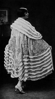 """Les Modes (Paris) 1926 """"Neptune"""" Cape du Soir par Boue Soeurs..... What a spectacularly designed coat    B."""