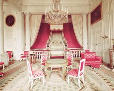 Versailles Pink Princess Room