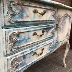 Chest of drawers - dresser chippendale style shabby vintage - a unique product by NickisSchraenkchenschmiede on DaWanda. Funky Painted Furniture, Chalk Paint Furniture, Distressed Furniture, Refurbished Furniture, Repurposed Furniture, Furniture Makeover, Vintage Furniture, Cool Furniture, Furniture Refinishing