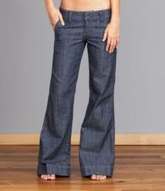 Find out if your workplace is okay with jeans on casual fridays. The darker wash of these jeans make them look more professional. Most important: NO holes in the knees or anywhere else. Jean Outfits, Casual Outfits, Cute Outfits, Fashion Outfits, Trouser Jeans Outfit, Pants, Trousers, Love Jeans, Boho Look