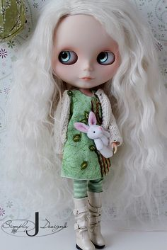 Blythe...the creepiest, coolest doll I ever owned!