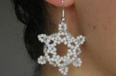 Creare orecchini fai da te con perline: schema fiocco di neve