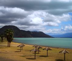 Dique Ullum en San Juan. Argentina Places To Travel, Places To Visit, Puerto Ricans, Patagonia, South America, Beautiful Homes, Scenery, Hiking, Explore