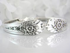 Saw one of these vintage silver spoon bracelets in a gift shop in Prescott, AZ... beautiful!  One day I'm going to make one....